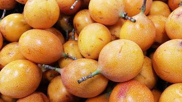 Granadilla, inaczej marakuja to owoc, który można jeść bez wcześniejszego przygotowania