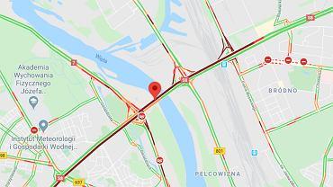 Warszawa. Wypadek autobusu na Wisłostradzie. Poważne utrudnienia w ruchu