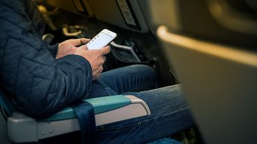 Czy wkrótce w samolotach będzie można korzystać z urządzeń elektronicznych bez trybu samolotowego?