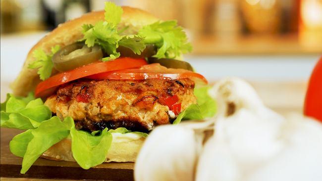 Burgery z kurczaka - zawstydź ulubioną burgerownię i zrób je samodzielnie