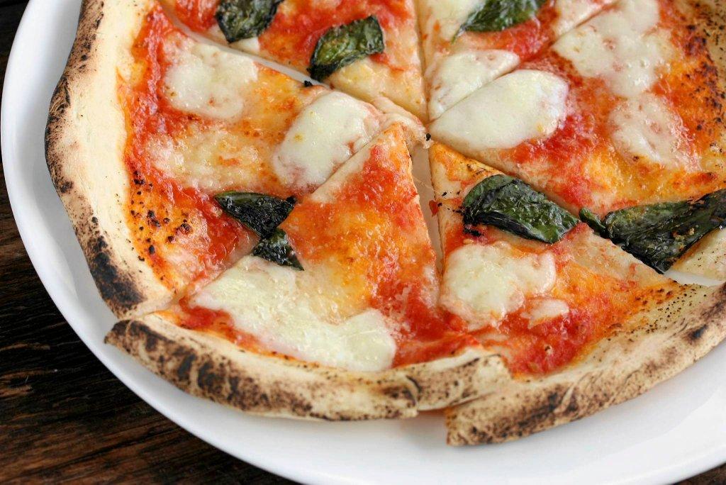 Pizza napoletnana