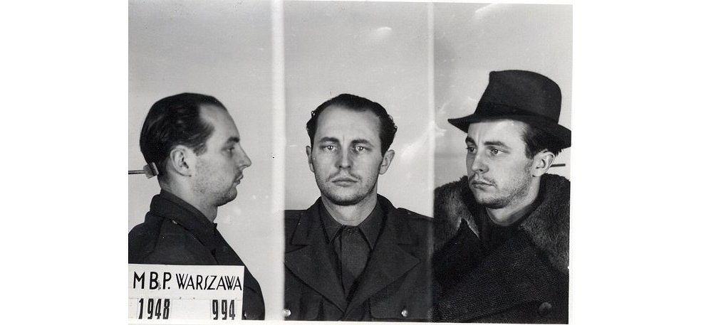 Jan Rodowicz po aresztowaniu 24.12.1948 - ostatnie zdjęcie (fot. Ministerstwo Bezpieczeństwa Publicznego / wikimedia.org / domena publiczna)