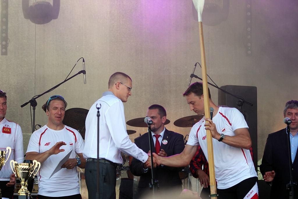 Wioślarz Michał Jeliński, mistrz olimpijski z Pekinu w czwórce podwójnej, zakończył karierę
