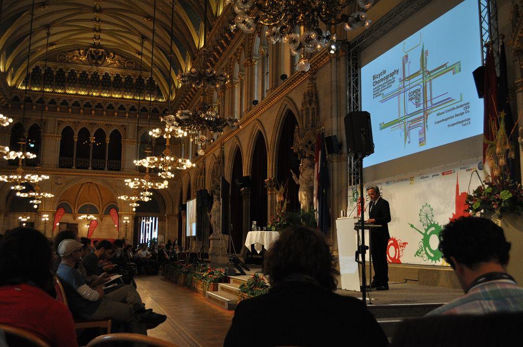 Mikael Colville Andersen znany z serwisu Copenhagenize na VeloCity 2013