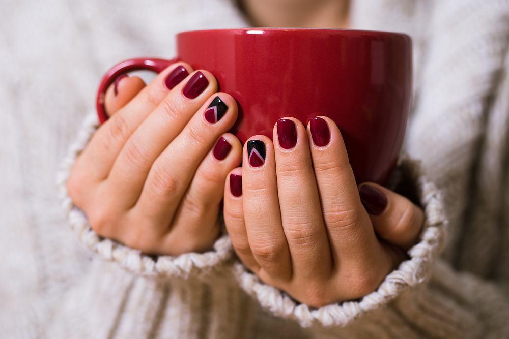 Które kolory i wzory paznokci będą najmodniejsze na jesień 2019?