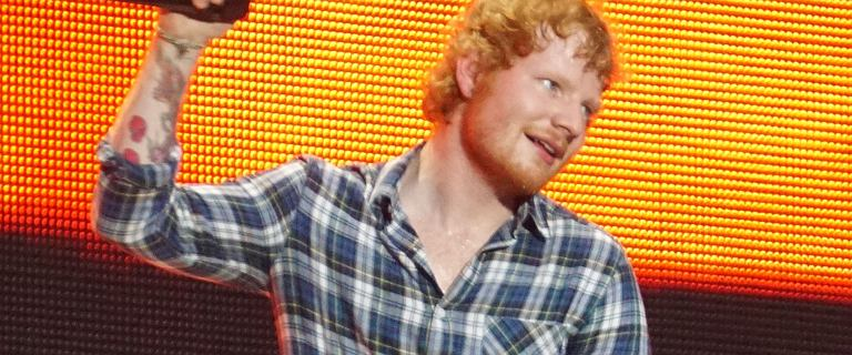 """Ed Sheeran zagrał w """"Gwiezdnych Wojnach"""". Nic dziwnego, że nikt go nie rozpoznał"""