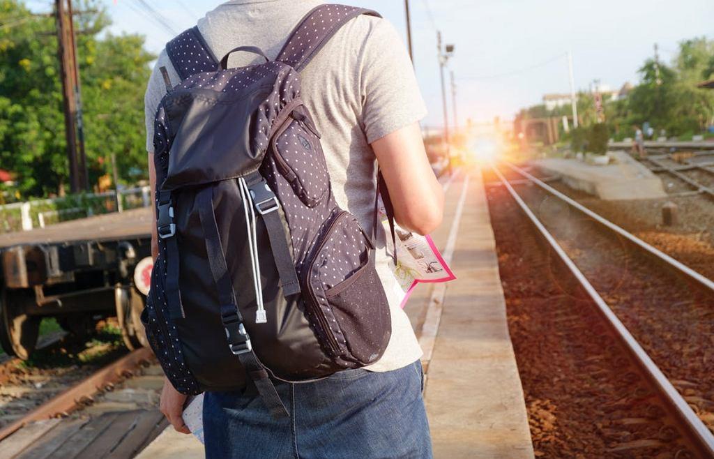 Dlaczego warto podróżować pociągiem?