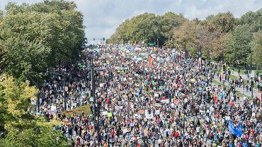 Strajk klimatyczny w Montrealu. Wzięła w nim udział Greta Thunberg