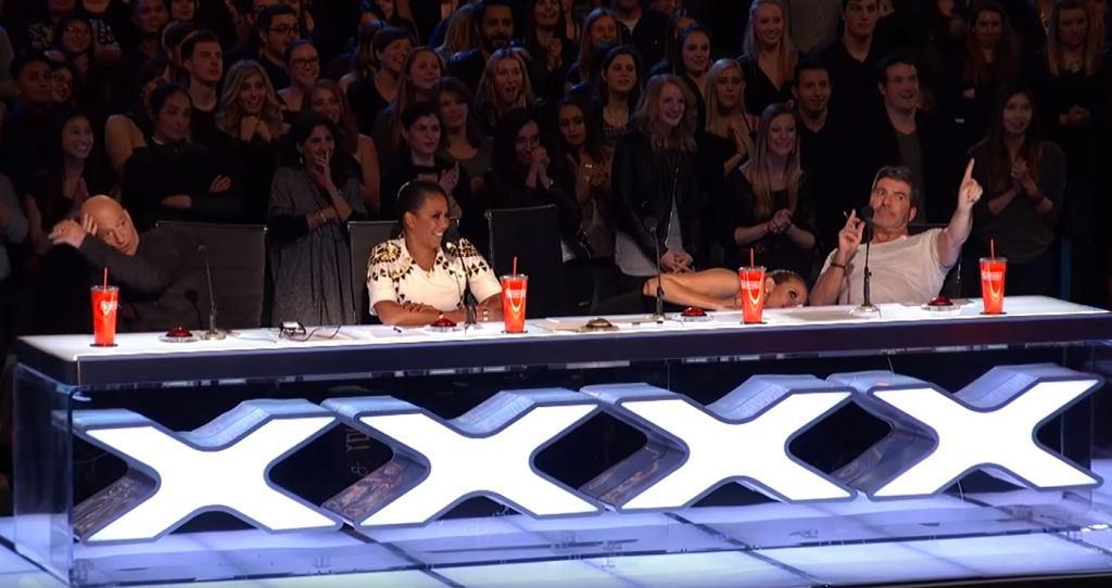 Podczas występu 14-latki, jury chowało się pod stołem