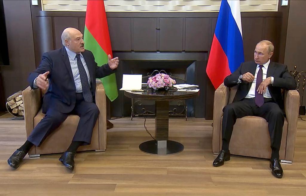 Alaksandr Łukaszenka podczas spotkania z Władimirem Putinem w Soczi.