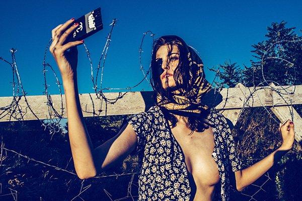 Moda z obozu dla uchodźców - obowiązkowo z cyckiem na wierzchu