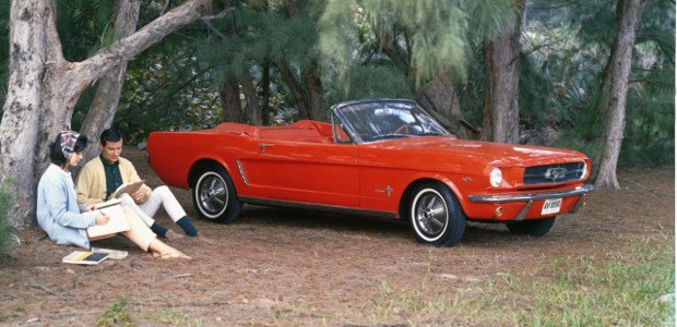 Ford Mustang Cabrio - 1965 rok