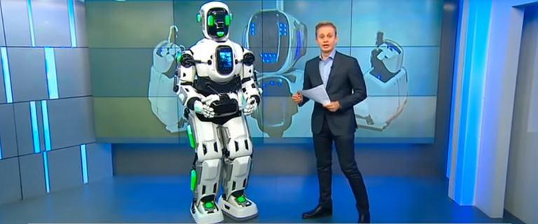 Najnowocześniejszy robot okazał się człowiekiem w kostiumie. To tylko jeden z problemów Rosjan z robotami
