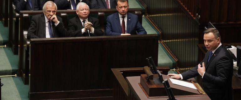 """Duda na posiedzeniu Sejmu: """"Ryba psuje się od głowy. Głowa jest tutaj"""""""