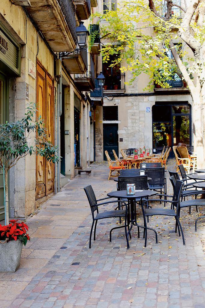 Girona, stoliki przy Carrer de la Força
