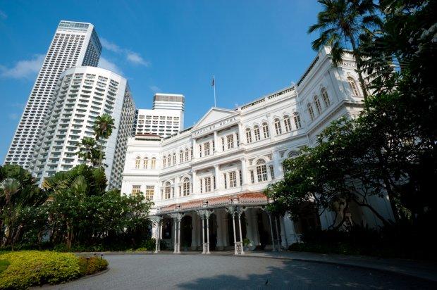 Jeden z symboli starego Singapuru jest Raffles Hotel, wzniesiony w 1887 r. w brytyjskim stylu kolonialnym
