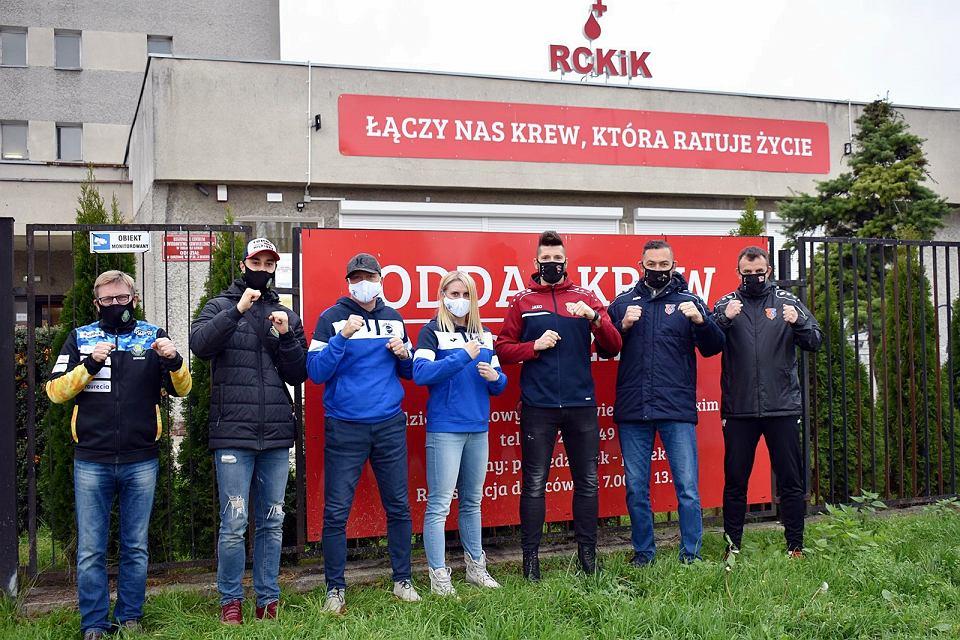 Przedstawiciele gorzowskich klubów sportowych apelują do wszystkich fanów sportu, którzy mają już za sobą walkę z koronawirusem, aby oddawali osocze