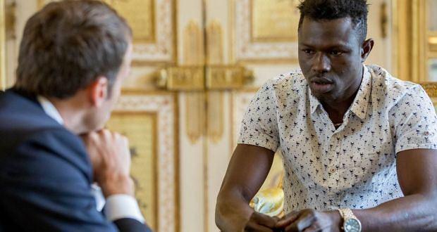 Prezydent Macron zdecydował o przyznaniu Mamoudou Gassamowi francuskiego obywatelstwa