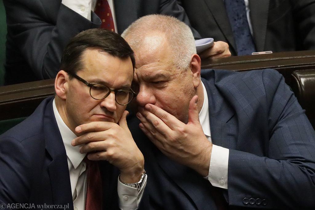 Ceny prądu w górę, rząd szykuje rekompensaty. Na zdjęciu premier Mateusz Morawiecki i wicepremier Jacek Sasin.