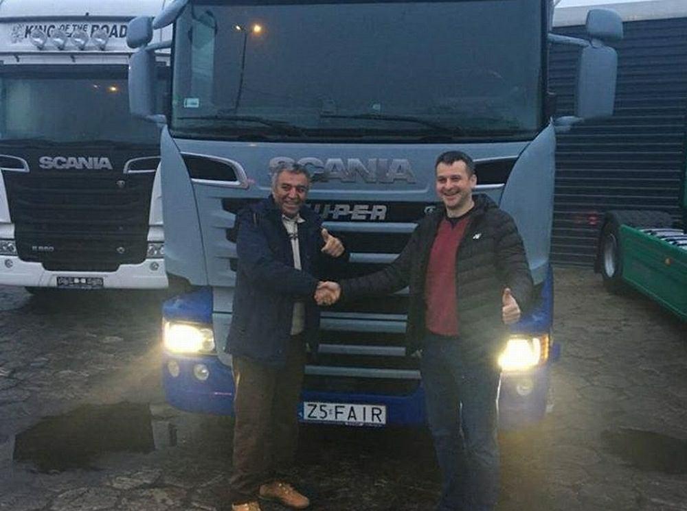 Fardin Kazemi z nową ciężarówką