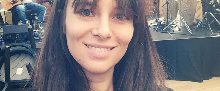 Anna Czartoryska-Niemczycka chwali się dużym ciążowym brzuchem.