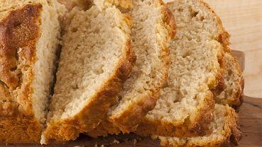 Pieczecie własne chleby? Mamy genialny przepis na pięcioskładnikową wersję na piwie