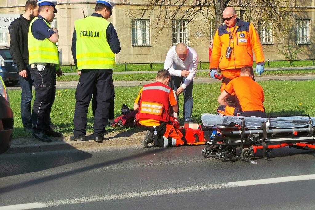 Wypadek na ul. Banacha. Motocyklista potrącił pieszą