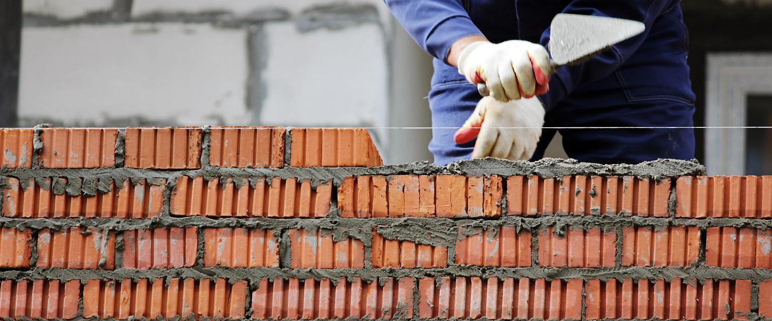 Co roku do wyzwania, jakim jest budowa domu, stają tysiące ludzi (fot. Shutterstock)
