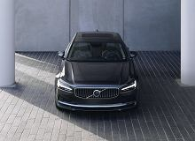Volvo S90 i V90 po liftingu. Drobne poprawki, nowości we wnętrzu i miękkie hybrydy