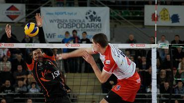 Atakuje Dawid Konarski
