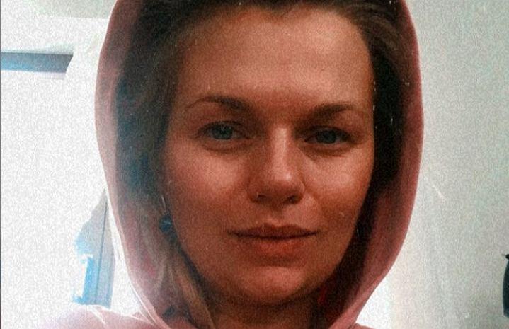 Emilia Komarnicka-Klynstra rozpływa się nad karmieniem piersią: Karmie? go i myślę - miłość, zdrowie, szczęście. Fanki poirytowane