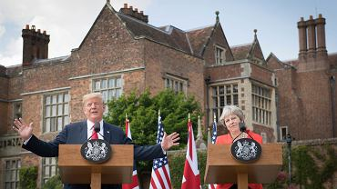 Theresa May i Donald Trump na konferencji prasowej w Chequers w Buckinghamshire.