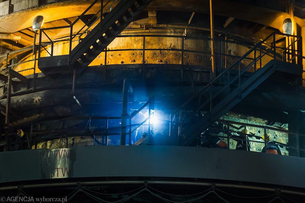 Kraków, wielki piec nr 5 w hucie Arcelor Mittal Poland w trakcie remontu z 2016 r.