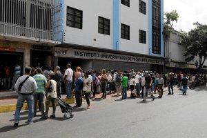 MFW: W tym roku inflacja w Wenezueli przekroczy 700 proc.