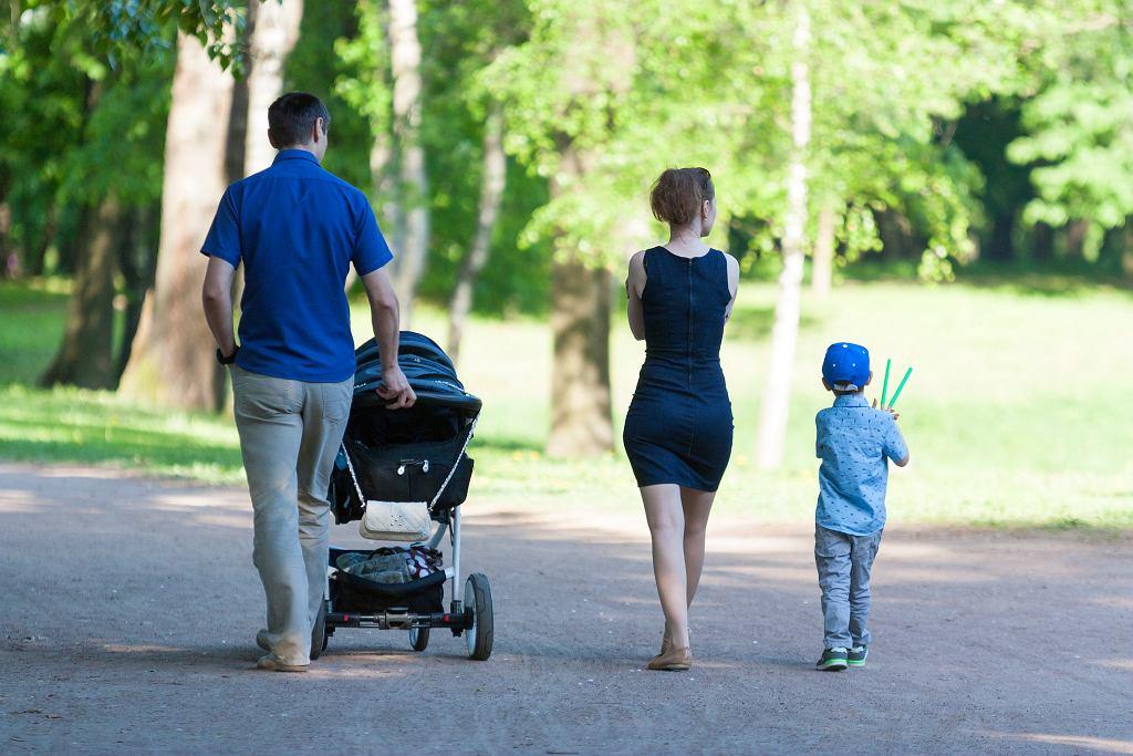 Mandat za spacer z dzieckiem - czy możemy go dostać?
