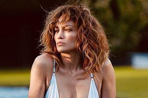 """Jennifer Lopez zachwyca wysportowanym, płaskim brzuchem. """"Ty masz 51 lat? Jak to możliwe?"""""""