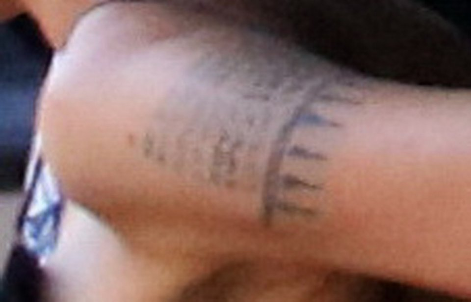 Angelina Jolie Ma Nowy Tatuaż ładny Ważniejsze Przesłanie