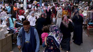 Bazar w Diyarbakir na południowym wschodzie Turcji