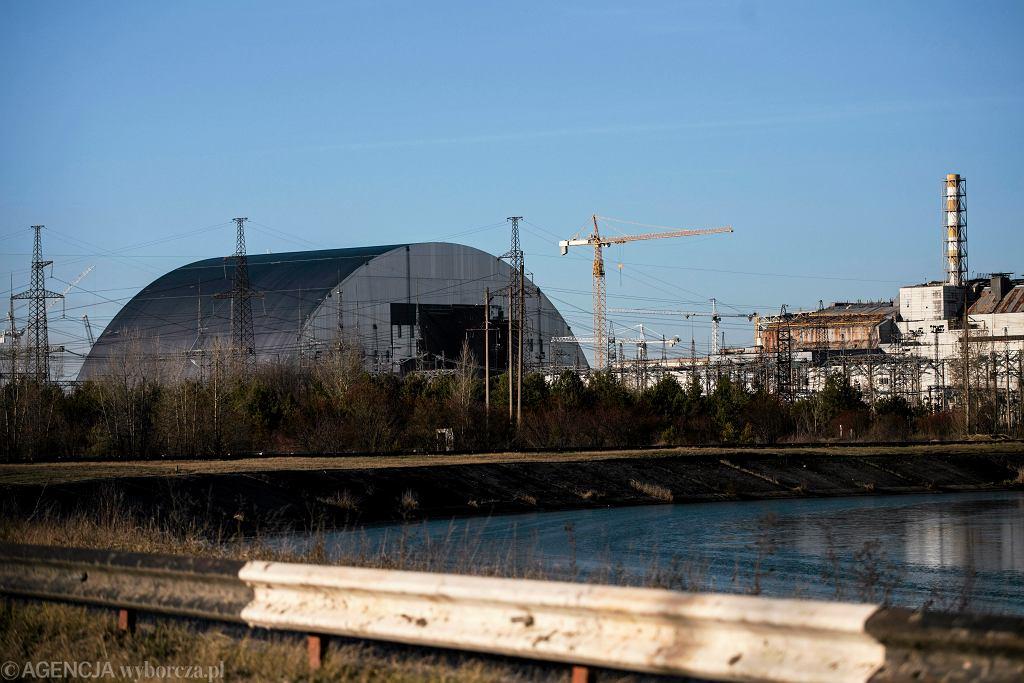 Strefa Wykluczenia wokół Czarnobylskiej Elektrowni Jądrowej. Budowa schronu mającego przykryć uszkodzony reaktor (grudzień 2015)