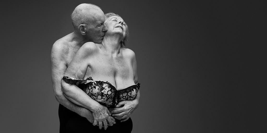 Brytyjska organizacja charytatywna zachęca do odtabuizowania seksu osób starszych