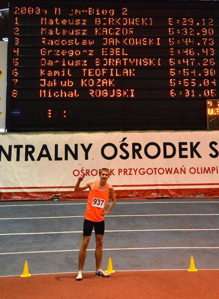 Mateusz Borkowski po ustanowieniu halowego rekordu Polski juniorów młodszych na 2000 m