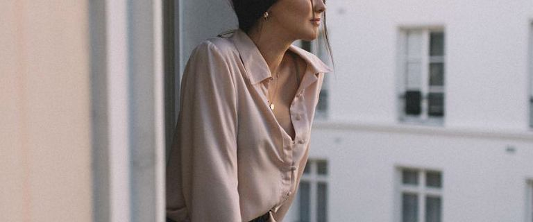 Koszula damska nie musi być nudna. Modele z Reserved idealne na ten sezon