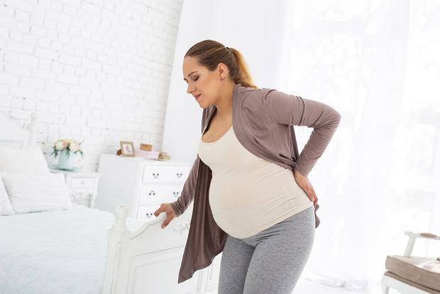 Ból pleców w ciąży - co robić, by sobie pomóc?