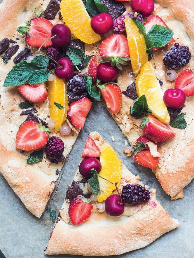 Pizza na słodko z owocami to doskonały pomysł na zdrowy deser
