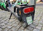 Hulajnogi elektryczne z tablicami rejestracyjnymi? Nikt o tym nie wspomina, a pomysł jest dobry