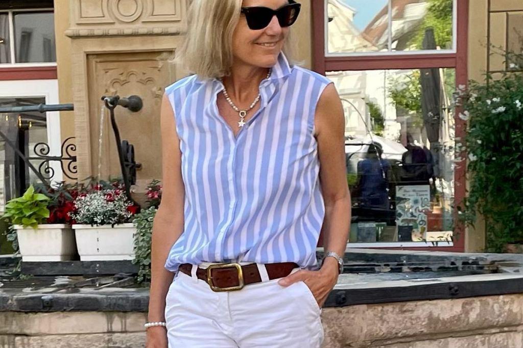 Bluzki bez rękawów są niezwykle modne!