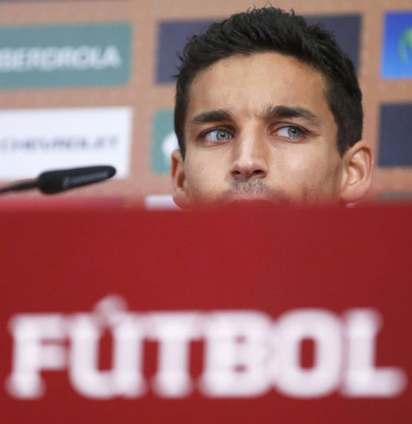 Spain's national soccer player Jesus Navas attends a news conference during the Euro 2012 in Gniewino, June 20, 2012.  REUTERS/Juan Medina (POLAND  - Tags: SPORT SOCCER HEADSHOT)
