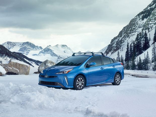 Toyota Prius po faceliftingu - po raz pierwszy z napędem na cztery koła