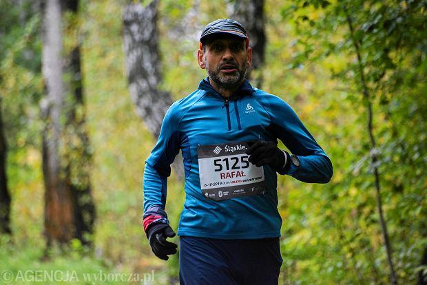 Zdjęcie numer 15 w galerii - Silesia Marathon. Chłód i wiatr niestraszne, rekord pobity! [ZDJĘCIA]