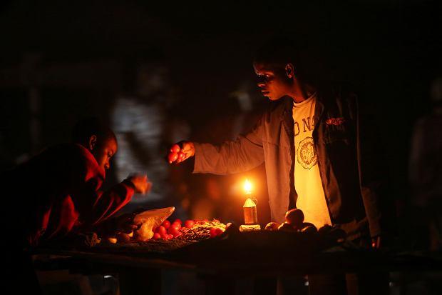 Zimbabwe. Przerwy w dostawach prądu sięgają nawet 18 godzin.